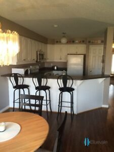 2 Bedrooms in Modern 4 Bdrm Townhouse
