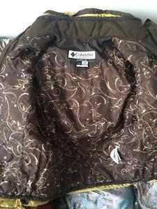 Manteau à vendre avec deux pantalons de neige Saguenay Saguenay-Lac-Saint-Jean image 3