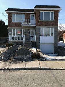5 1/2 Upper Duplex Apartment in Chomedey Laval (unheated)