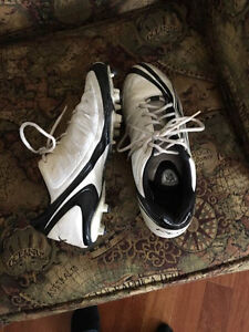 cleats size 11 1/2 USA