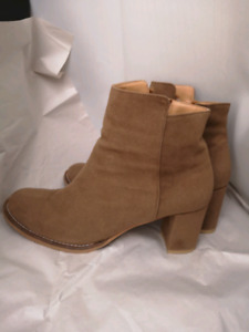 Suede women boots unique and comfortable size 39