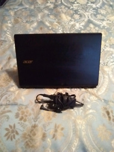 Mint Condition Quadcore Processor ACER Aspire laptop