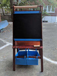 Kid's Easel / Chevalet d'enfants