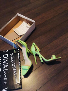 NEW LIME  SUEDE HEELS SIZE 8.5