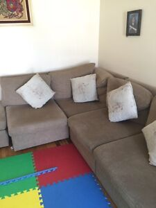 Very good condition Couch very Neat CHEAP