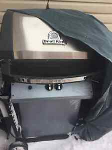 PROPANE GAS BARBECUE GOOD CONDITION