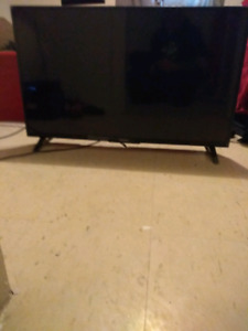 40-43 inch 4k smart tv with remote 225$
