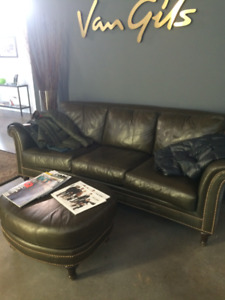 Luxurious 3-seater leather couch with Brass studs