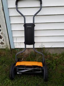 Reels lawn mower