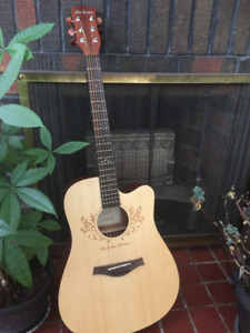 ACOUSTIC GUITAR FOR SALE - $225 OBO