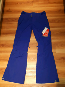 Brand new blue North Face snowpants. Size Small