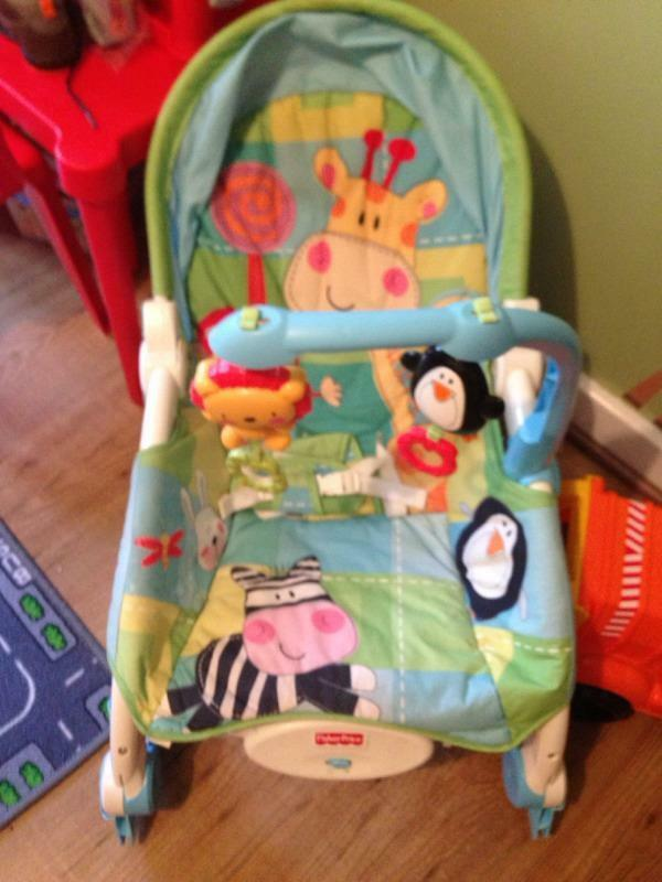 Fisher Price Vibrating Seat Grows With Baby To Toodler