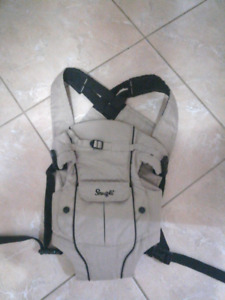 Snugli brand baby carrier like new condition