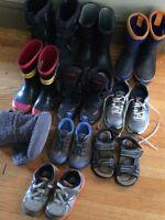 Lot de souliers et bottes (garçon/fille)