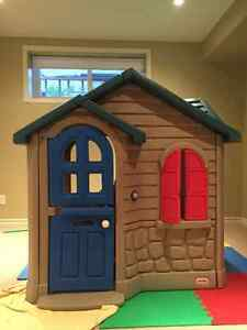 Little Tikes® ImagineSounds™ Playhouse