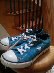 Converse One Star sneaker shoes - Size 3 Ladies. BRAND NEW d51e6b783