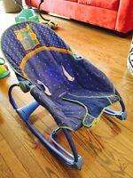 Chaise de bébé vibrante - transit
