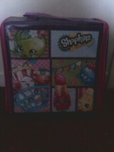 Shopkins carry/play case