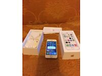 Apple iphone 5s gold 16gb mint condition on EE, Virgin,Orange,T mobile