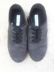 Girls Everyday Comfort Shoes