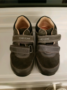 Geox Respira Size 8.5 Shoes