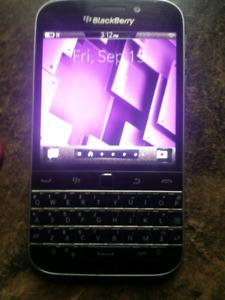 Blackberry  C910 like new