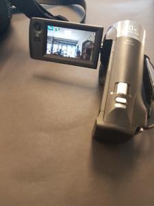 Sony Handycam HDR-CX405 1080p HD 60x Zoom Video Camera