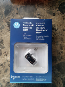 Brand New Motorola Bluetooth Headset H695