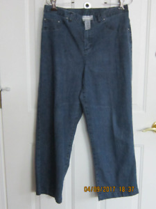 Alfred Dunner Petite Size 10 Jeans with Bling $5.00