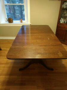 Solid, extendable antique Dining Room Table