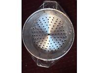 NEW Big sauce pan with steamer siv