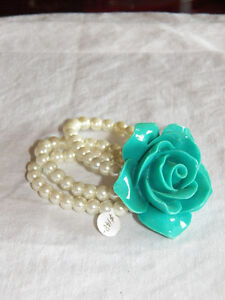 TURQUOISE BLUE GLASS ROSE AND FAUX PEARL BRACELET