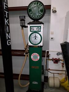 1920's Sinclair Gasoline Antique gas pump
