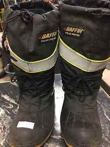 BAFFIN POLAR PROVEN STEEL TOW BOOTS SIZE 9 /10