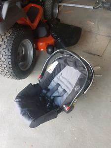 Coquille banc de bebe d auto