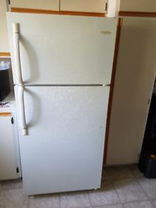 Vend cause déménagement à l'étranger réfrigérateur Frigidaire