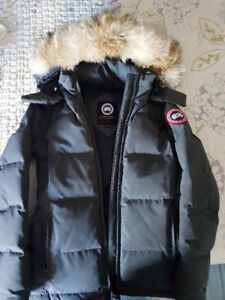 Worn Once; Women's Canada Goose Parka