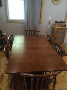 Solid wood dining set with hutch  Belleville Belleville Area image 2