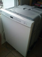 Lave-vaisselle Kenmore comme neuf / Kenmore dishwasher like new