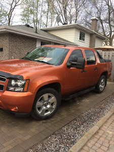 2007 Chevrolet Avalanche LS W/ NEW GM REBUILT ENGINE