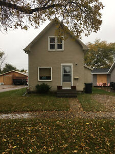 Older 3 Bedroom home in Yorkton for Rent