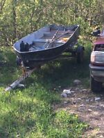 14' aluminum boat and trailer with fish finder
