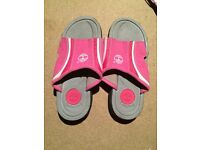 Girls timberland sandals side 3.5