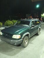 FORD EXPLORER 4x4 MINT CONDITION!