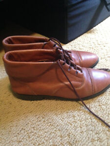 Leather ankle boots Peterborough Peterborough Area image 2