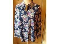 💙💜🌺HAWES & CURTIS size 18 cotton shirt