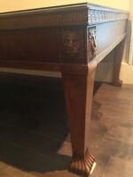 Table de salon en bois massif avec pattes de lion