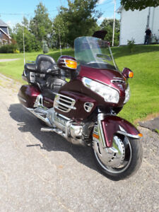 Honda Goldwing 2006 faite un offre