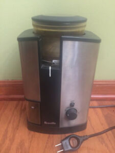 Breville Burr Mill Coffee Grinder BCG450XL like new (sell/trade)