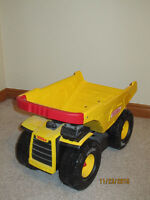 Tonka-Mighty Dump truck-red handle